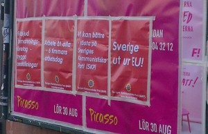 SKP:s affischer på anslagstavlan vid Slussen.