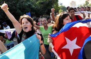 Glädjen var stor i Havanna 2015 när beskedet kom att Ramón Labañino, Gerardo Hernandez och Antonio Guerrero var fria och befinner sig på Kuba, och att stora steg har tagits för att normalisera förbindelserna mellan länderna, efter 50 år av blockad. Foto: Cubadebate