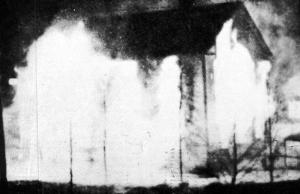 Norrskensflammans redaktion står i brand.