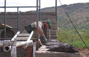Murare i arbete. Personen på bilden har inget med artikeln att göra. Foto: diamondmountain/Flickr