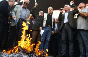 Illustrationsbild. Äldre greker från PAME protesterar 2016.