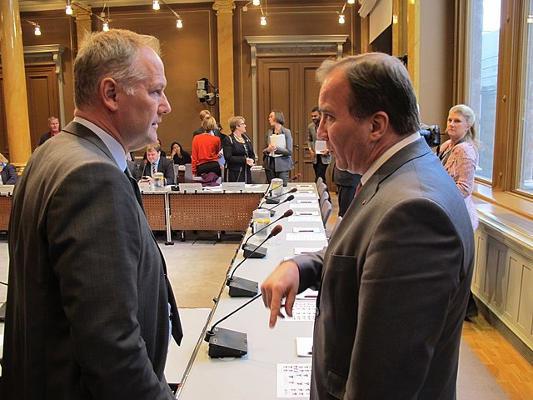 Vänsterpartiets ordförande Jonas Sjöstedt och statsminister Stefan Löfven (s). (c) Europaportalen.se [CC BY 2.0 (https://creativecommons.org/licenses/by/2.0)], via Wikimedia Commons