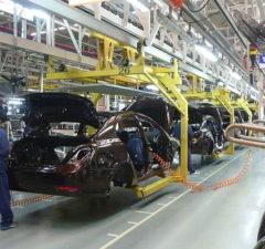 Biltillverkning i Kina. Foto: Siyuwj/Wikimedia Commons