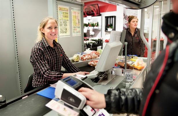 Arbetsmiljöverket gör en riktad satsning för att inspektera arbetsmiljön i butikskassor. Foto: Arbetsmiljöverket