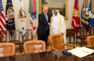 2017: USA:s president Donald Trump och Sheikh Mohammed bin Zayed Al Nahyan, vice högsta befälhavaren för Förenade Arabemiratens väpnade styrkor. Sverige säljer mycket vapen till båda länderna. Foto: Vita huset