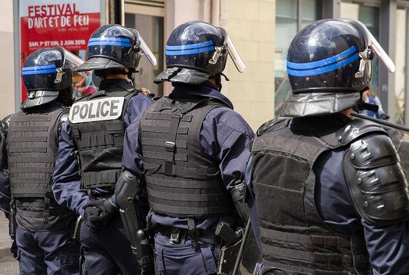 Fransk polis. Bild av Jacqueline Macou från Pixabay