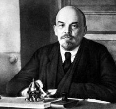 Revolutionären och teoretikern Vladimir Iljitj Lenin ägnade sitt liv åt kampen för att det arbetande folket skulle få bli sina egna herrar.